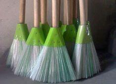Cómo hacer una escoba reciclando botellas de plástico ~ lodijoella