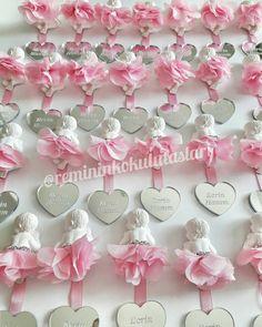 Bebek kokulutas Go Between, Biscuit, Antony Gormley, Sculpture Clay, Corsage, Confetti, Nursery Decor, Wedding Gifts, Diy And Crafts