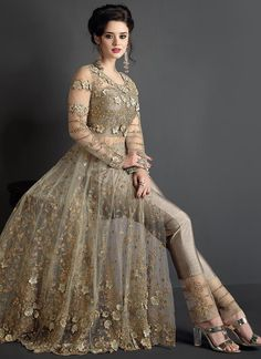Looking for Bridal Anarkali Suits garments online? Shop our UK online store for the latest from Bridal Anarkali Suits at Omsara. Bridal Anarkali Suits, Pakistani Bridal Dresses, Pakistani Dress Design, Pakistani Outfits, Designer Party Wear Dresses, Kurti Designs Party Wear, Indian Designer Outfits, Indian Wedding Outfits, Bridal Outfits