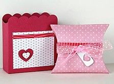 Sweet Treats Boxes are perfect to gift chocolates or homemade goodies this Valentine's Day! We loved the polka-dot papers and ribbon!