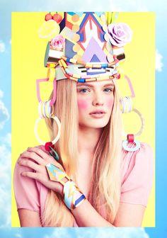 ロンドンに住むデザイナー Lydia Kasumi Shirreffさんが作るペーパー作品「PAPER DOLL」。 女 ...