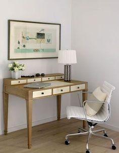 via dwellingsanddecor.tumblr.com love the desk!