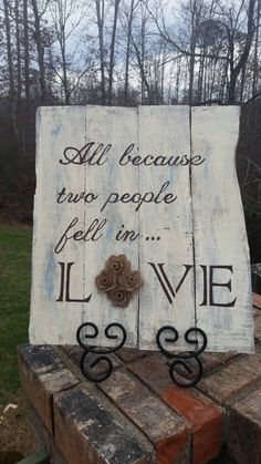Rustic Wedding Pallet Signs | Love Wedding Rustic Pallet Sign by MandKsDesigns on Etsy