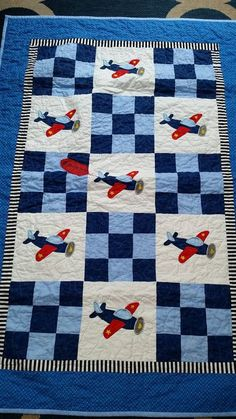 Airplane Quilt Pattern Baby Quilt Patterns With Airplanes Elegant Best Quilting For Babies Images On Angled Flight Quilt Pattern Quilt Baby, Baby Quilts Easy, Cot Quilt, Airplane Quilt, Airplane Nursery, Airplane Crafts, Baby Airplane, Colchas Quilting, Quilting Projects