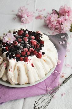 Pavlova aux fruits rouges - aime & mange