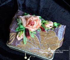"""Купить Косметичка с фермуаром вышивка лентами """" Букет"""" - бежевый, розы, косметичка, косметичка из ткани"""