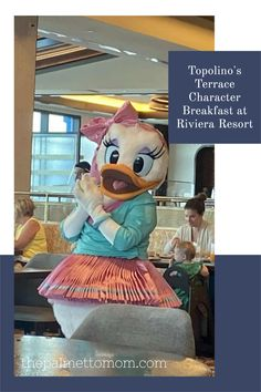Don't miss this fantastic breakfast at Disney World! Save this one and add it to the list for your next WDW vacation! Orlando Theme Parks, Disney World Theme Parks, Disney World Planning, Disney Vacation Club, Walt Disney World Vacations, Disney Trips, Big Family, Family Travel, Best Disney World Restaurants