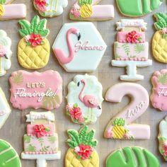 Fancy Cookies, Cut Out Cookies, Cupcake Cookies, Sugar Cookies, Cupcakes, Cookie Designs, Cookie Ideas, Flamingo Cake, Cookie Bouquet