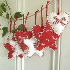 felt ornaments...so cute.....you'll need to know the blanket stitch.....lots of tutorials online....