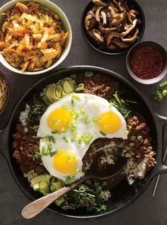 Bibimbap à partager | RICARDO Unique Recipes, Asian Recipes, Beef Recipes, Healthy Recipes, Ethnic Recipes, Easy Recipes, International Recipes, Food Dishes, Easy Meals