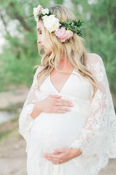 Boho Maternity, Flower crown More Where can I find this dress? Maternity Photography Poses, Maternity Poses, Maternity Pictures, Maternity Dresses, Pregnancy Photos, Pregnancy Fashion, Pregnancy Tips, White Lace Maternity Dress, Dress Lace