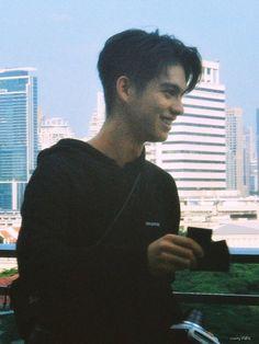 Bright Wallpaper, Imaginary Boyfriend, Bright Pictures, Boyfriend Pictures, Dear Future Husband, Handsome Actors, Asian Actors, Attractive Men, Boyfriend Material