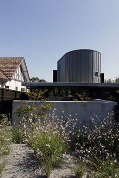 Brighton East Residence (Australia) by  Richard Kerr Architecture   #Architecture #Project #Zinc #VMZINC #PrivateHouse #QuartzZincPlus #QuartzZinc #Australia #Facade