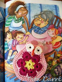 Coruja de Flor África com histórias de Dona Bent