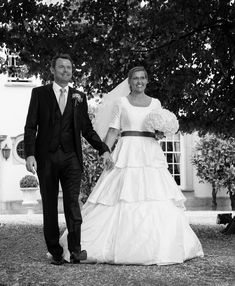 Real wedding: Bespoke full skirted pleated white wedding dress with sleeves by Rachel Lamb Design White Wedding Dresses, Designer Wedding Dresses, Bridal Dresses, Bridal Dress Design, Dressmaking, Pleated Skirt, Bespoke, Real Weddings, Lamb