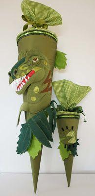 Schultüte mit Applikation eines Tyrannosaurus Rex und passender Geschwistertüte. Die Idee zu dieser Tüte stammt von DaWanda Verkäuferin fre...