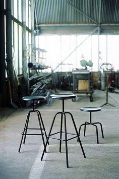 nice bar chair-very industrial