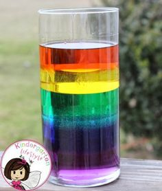 SCIENCE CENTRE IDEA- Kindergarten Lifestyle - Making a Liquid Rainbow. rainbow in a jar. super quick and easy science experiment that teaches about viscosity, measuring, coloring mixing, and more! Kid Science, Preschool Science, Science Classroom, Science Fair, Teaching Science, Science Activities, Kindergarten Science Projects, Rainbow Activities, Science Crafts