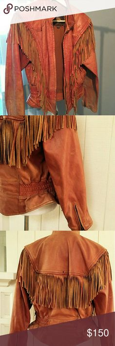 Soft Leather fringe jacket 😻 Soft and gorgeous Women's fitted supple worn leather jacket with flawless fringe. A total vintage gem. Wear this with a band tee and tight jeans. Classic vintage fringe. Worn in and well loved leather. No odors. No stains. 🌵🌙🔮🎀 festival wear. Boho. Vintage. Perfection. Vintage Jackets & Coats