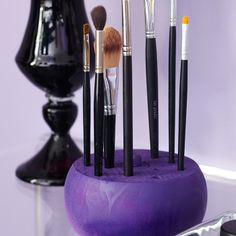 This makeup brush holder is so easy to make. Customize it with your own colors and designs!