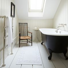 Bathroom & Hamptons-style London terrace & House Tour & PHOTO GALLERY & Livingetc & Housetohome Source by ebixa The post Transforming a Victorian terrace in south London appeared first on Lee Scahartz Interiors. London Townhouse, London House, Loft Bathroom, Small Bathroom, Bathroom Ideas, Bathtub Ideas, Bathroom Wall, Bathroom Gallery, Bathroom Chair