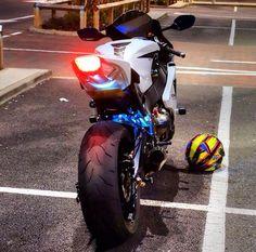 White honda CBR aka the blade Honda Sport Bikes, Yamaha Bikes, Honda Motorcycles, Moto Bike, Motorcycle Bike, Soichiro Honda, Honda Motorbikes, Honda Cbr 1000rr, Custom Sport Bikes