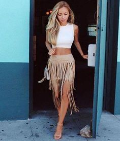 Camel Suede Fringe Skirt Swishy swashy away in this ultra soft suede skirt. Double layer for double the fun. Great statement piece to stay on-trend through Fall and Winter seasons. Boho Fashion, Autumn Fashion, Fashion Outfits, Grunge Fashion, Daily Fashion, Womens Fashion, Summer Fashion Trends, Spring Summer Fashion, Summer Trends