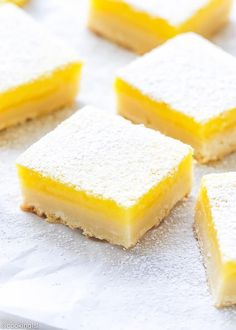 The perfect homemade lemon bars recipe- classic lemon bars with shortbread crust, ready in under 1 hour, perfect for a party. Best Lemon Dessert Recipe, Lemon Recipes Easy, Lemon Curd Recipe, Lemon Squares Recipe, Easy Lemon Bars, East Dessert Recipes, Easy Lemon Desserts, Dessert Bars, Dessert Mousse