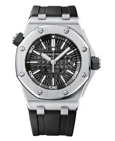 La montre Royal Oak Offshore Diver d'Audemars Piguet http://www.vogue.fr/vogue-hommes/montres/diaporama/les-belles-montres-homme-du-sihh-2015/18878/carrousel#la-montre-royal-oak-offshore-diver-daudemars-piguet