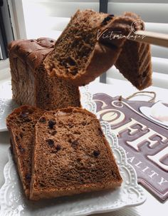 super soft mocha chocolate chip toast (premixing dough method) ~ highly recommended 软趴趴摩卡巧克力吐司(泡面法) ~ 强推 – Victoria Bakes Soft Bread Recipe, Roti Recipe, Japanese Bread, Japanese Cake, Bread Bun, Bread Rolls, Bread Machine Recipes, Bread Recipes, Cooking Recipes