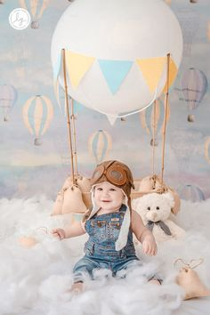 50 + Amazing Baby Photo Shoot Ideas To Try At Home - Wittyduck Monthly Baby Photos, Baby Boy Photos, Baby Pictures, Boys First Birthday Cake, Baby Birthday, Planes Birthday, Baby Boy Photography, Children Photography, Boy Birthday Pictures