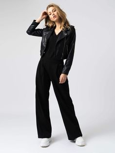 Shop this stylish wide-leg trouser pant in Black. The Camden Wide Leg Pant is made with the softest organic cotton. Available in a variety of trouser lengths. Black Cullotes Outfits, Black Slacks Outfit, Wide Pants Outfit, Wide Leg Trousers, Wide Leg Black Pants, Casual Outfits, Fashion Outfits, Organic Cotton, Skor
