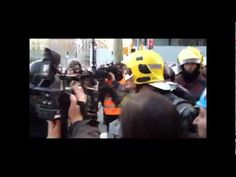 Bombers que protesten per l'actuació dels mossos dispersats amb gasos lacrimògens #vagageneral