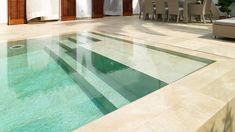 Piscinas para baños únicos y seguros. La suntuosidad y fiabilidad de los materiales de Porcelanosa Grupo