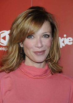 Lauren Holly - lauren-holly Photo  This hair cut!! This color!!