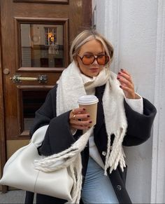 Casual Winter Outfits, Chic Outfits, Fashion Outfits, Womens Fashion, Flare, Winter Fits, Zara Fashion, Pretty Outfits, Autumn Winter Fashion