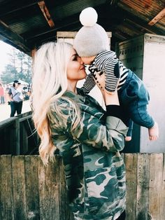 Baby Love www. Cute Family, Baby Family, Family Goals, Mommy And Son, Mom And Baby, Little Babies, Cute Babies, Baby Time, Mode Outfits