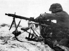 Changing a belt on the MG42. When used from the Lafette tripod, the MG42 was very accurate