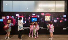 Mit modernen Infoterminals können Sie jederzeit & überall mit Ihren Kunden & Ihren Gästen kommunizieren! Interaktive Stelen sind enorme Publikumsmagnete & eignen sich ideal für alle Eingangsbereiche, Wartezonen & Orten mit hoher Kundenfrequenz. Weitere Infos finden Sie unter https://www.moderne-buerowelten.de/digital-signage/digital-signage-loesungen/ #DigitalSignage #Marketing #DooH #Infoterminal #Display #Tourismus #Handel #Pos