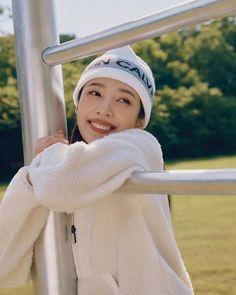Fotoğraf - Google Fotoğraflar Seulgi, South Korean Girls, Korean Girl Groups, Joy Instagram, Knitted Hats, Crochet Hats, Joy Rv, The Love Club, Park Sooyoung