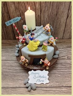 Snow White and Seven Dwarfs Luxury Cake with Free Deivery