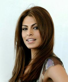 Eva Mendes Eva Mendes And Ryan, Eva Mendes Hair, Photo Portrait, Corte Y Color, Most Beautiful Women, Bob Hairstyles, New Hair, Portraits, Hollywood