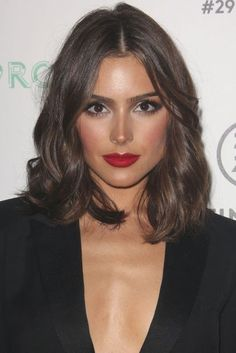 Lob V bob V mob - which haircut will suit you and why - mid length hair | Glamour UK