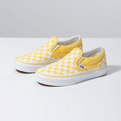 Shop bestselling Girl's Shoes at Vans including Girl's Classics, Slip Ons, Authentics, Low Top, High Top Shoes & More. Shop Kids Shoes at Vans today! Women's Shoes, Vans Slip On Shoes, Buy Shoes, Vans Sneakers, Slip On Sneakers, Sneakers Fashion, Me Too Shoes, Fashion Shoes, Vans Shoes For Kids