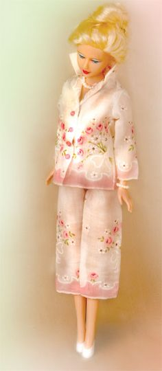 For more retro sewing fun, check out Hankie Couture by Marsha Greenberg.