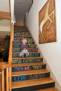 Chalk It Up: 40 Creative Ways to Use Chalkboard Paint via Brit + Co. I absolutely LOVE this! I'm doing this on our stairs, each set a different colored chalk paint! Stair Art, Stair Decor, Staircase Decoration, Painted Staircases, Painted Stairs, Wooden Stairs, Staircase Painting, Diy Tapete, Image Deco
