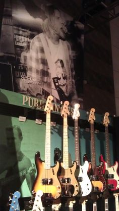 Fender's bass display (feat. Kurt Cobain)