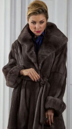 Mink Fur, Fur Fashion, Furs, Nice, Women, Fur, Nice France, Feather, Fur Goods