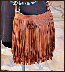 LOVE this cognac leather fringe bag! So easy to add on to just about any outfit