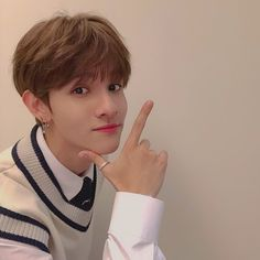 Samuel and your best friend, Sun-hee, are dating. Half Korean, Korean Men, Seventeen Samuel, Samuel Samuel, Johnny Orlando, King Of My Heart, Jeon Somi, Kdrama Actors, Korean Celebrities